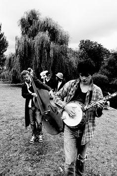 Mumford & Sons... LOVE their music