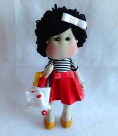 Boneca Linda feita com tecidos de algodão, feltro, Lã e enchimento siliconado antialérgico ! uma fofura!!