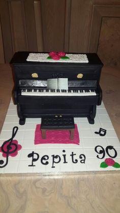 Tarta fondant piano