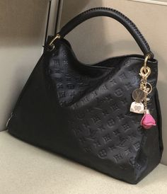 Rent Fashion Bag (rentfashionbag) on Pinterest 7915446b7f98