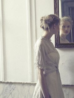 Love this environment shot... simple, poignant. Might be nice to do a story with this feel, using a mirror and the simplicity?    Katja Borghuis by Riccardo Bernardi for Schön Magazine #13