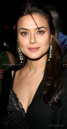 Preity Zinta Beautiful HD Photoshoot Stills & Mobile Wallpapers HD Hd Wallpapers For Mobile, Mobile Wallpaper, Pretty Zinta, Celebs, Celebrities, India Beauty, Beauty Queens, Hd 1080p, Bollywood Actress