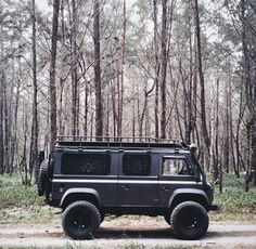 Afternoon Drive: Off-Road Adventure Photos) - Toyota FJ SUV off-roading off-road Land Rover jeep four-wheel drive adventure Landrover Defender, Defender Camper, Defender 110, Auto Camping, Truck Camping, Carros Off Road, Vw T3 Syncro, 4x4 Van, Offroader