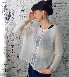 Las conchas y el abanico Sweater Knitting Patterns, Crochet Cardigan, Knitting Stitches, Hand Knitting, Knit Crochet, Knitwear Fashion, Knit Fashion, Mohair Sweater, Lace Tops