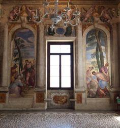 """Buon pranzo ☀️. Affreschi di G.B Zelotti. Sala di Scipione. A destra: """"I soldati sciolgono i cavalieri"""" A sinistra: """"Scipione supplica i soldati di rimettere in libertà i prigionieri cartaginesi"""" Villa Caldogno (Vicenza)."""