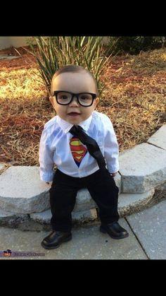 Clark Kent Baby Costume - Halloween Costume Contest via So Cute Baby, Cute Kids, Cute Babies, Kids Diy, Halloween Costume Contest, Cute Halloween Costumes, Family Halloween, Halloween Party, Costume Ideas