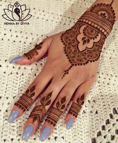 Beautiful and Easy Mehndi Designs for Eid Celebration - Henna / Mehndiiii - Henna Hand Designs, Eid Mehndi Designs, Pretty Henna Designs, Mehndi Designs Finger, Henna Tattoo Designs Simple, Wedding Mehndi Designs, Mehndi Designs For Fingers, Latest Mehndi Designs, Henna Tattoo Hand