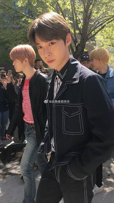 """Was scrolling through weibo and i came across these glorious unedited photos of doyoung"" Taeyong, Nct 127, Johnny Seo, Nct Group, Nct Doyoung, Nct Life, Fandoms, Jung Jaehyun, Entertainment"