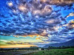 Esattamente quello che cercavo... #sunset #summer #mycountry #beautiful #instagood #instanature #sky #view #picoftheday #weather #instaweather #nature #namaste #love #life #namaste #meditation #igersveneto #visitveneto #focus #italian_places #italianexperience #daianalorenzato #follow