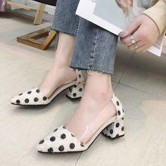8ef6857e72 9 melhores imagens de Sapatos de salto gatinho