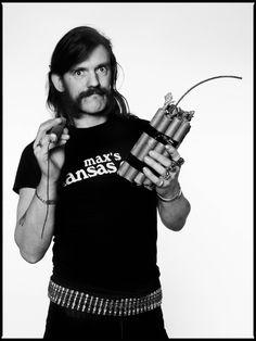 Lemmy Singer songwriter bassist raconteur legend RIP