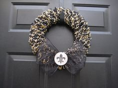 NOLA ,Saints, Fleur de Lis,wreath made from Mardi Gras beads. Bead Crafts, Arts And Crafts, Diy Crafts, Diy Wreath, Burlap Wreath, Wreath Ideas, Saints Wreath, Craft Projects, Projects To Try