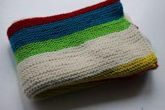 Simple garter stitch baby blanket /Lett babyteppe i restegarn