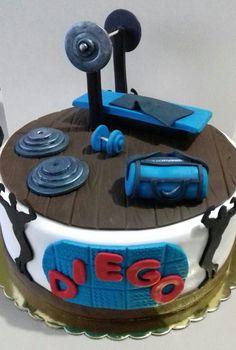 Torta gimnasio. Maricarmen's cakes Ate. Pedidos 991526566. Sólo Lima Metropolitana.