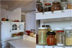 My world in a jar: Noua bucatarie My World, Jar, Table, Furniture, Home Decor, Homemade Home Decor, Jars, Mesas, Home Furnishings