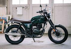 La moto Brixton BX 125 compte séduire les hipster avec son look typé 1970's