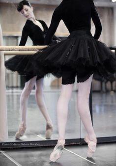 Look at those feet! Isabelle Ciaravola, Le Ballet de l'Opéra de Paris ♦ Photographer Maria-Helena Buckley