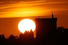 Donjon de Pons soleil couchant