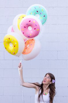 Fun DIY donut balloons!