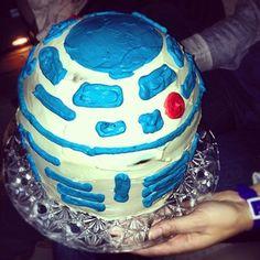 R2D2 Homemade cake ! @dougphoto (Doug Doug) 's Instagram photos |