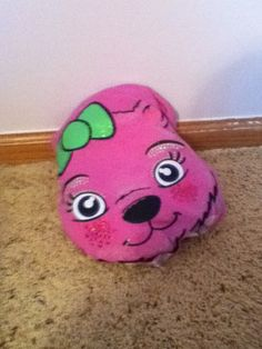 Bean bag chair for any dolls just take stuffing or tolit paper put it in a old shirt ponytail up the the ends and tada.