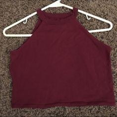 burgundy cropped halter top never worn // great for summer Tops Crop Tops