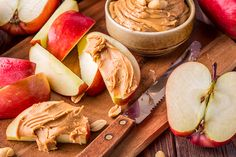 The 10-Day Tummy Tox Apple Almond Butter: Almonds and almond butter are a match made in heaven. Give this recipe a try today.