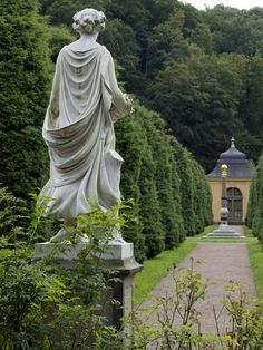 The baroque gardens of Schloss Weesenstein (ca. 1200-1781) were added in 1781 and extended in 1861, during the latest phase of the castle's continuous rebuilding. They are laid out on both sides of the river Müglitz, connected by a stone bridge.