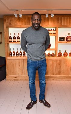 A simple, casual style by Idris Elba.