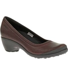 For those of us who like making urban living a daily adventure, this casual gives you a combination of natural walking comfort, tenacious grip and sophistication for the girl who gets the outside. Rich leather atop tacky traction, this go-anywhere heel flexes naturally,  the M Select™ MOVE footbed placing cushioning and support in just the right places.