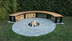 Do you want to know how to build a DIY outdoor fire pit plans to warm your autumn and make s'mores? Find 57 inspiring fire pit ideas in this article.