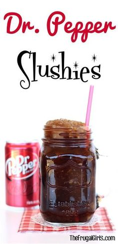 This EASY Dr. Pepper Slush Recipe is the most refreshing wa… Dr Pepper Slushies! This EASY Dr. Pepper Slush Recipe is the most refreshing way to cool down on a hot day! The perfect refreshing drink for kids and adults! Kid Drinks, Frozen Drinks, Non Alcoholic Drinks, Summer Drinks, Beverages, Cocktails, Camping Drinks, Drinks Alcohol, Frozen Strawberry Lemonade