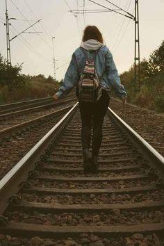 """""""Je pars pour explorez le monde, et qui sait si je reviendrais."""""""