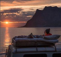 The best view is from a van. Photo: J_Bonde