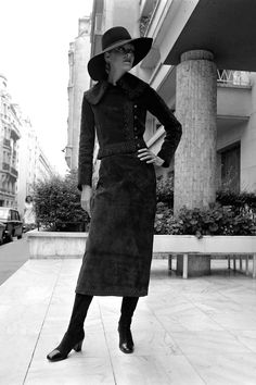 In Photos: Vintage Paris Street Style  - HarpersBAZAAR.com