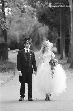 Steampunk-wedding-unique-wedding-blog-BraedonFlynn05
