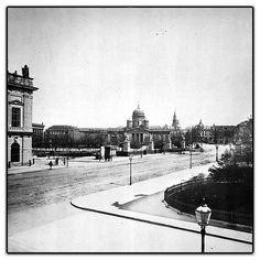 Schloßbrücke und Lustgarten, vom Kronprinzenpalais aus gesehen. ca 1889Im Hintergrund…