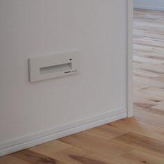 ⚐ ⚑ 二階の廊下には足元灯。 おかげでトイレに起こされません(*Θ∀Θ)σ #マイホーム#足元灯#バーチ