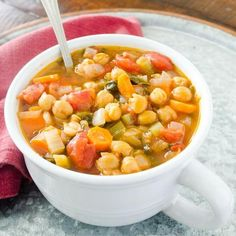 Easy garbanzo bean soup recipe can be made in slow cooker. Vegan and Italian garbanzo bean soup recipe that is delicious with nutritional information. Garbanzo Bean Recipes, Bean Soup Recipes, Chickpea Recipes, Vegan Recipes, Snack Recipes, Cooking Recipes, Chickpea Soup, Cooking Bacon, Slow Cooking
