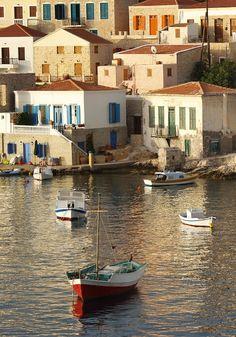 Chalki is a Greek island in de Dodecanese archipelago in de Aegean Sea_ Greece Beautiful Islands, Beautiful Beaches, Beautiful World, Villas, Places In Greece, Greek Beauty, Greece Travel, Greek Islands, Planet Earth