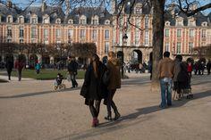 Place des Vosges, Paris Le Dimanche, Paris  #HumeursdeParis © Josée Noiseux Street View, Sunday