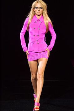 Versace Spring 2011 Ready-to-Wear Fashion Show: Runway Review - Style.com