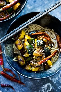 Kung pao zucchini recipe feasting at home recipes овощи Easy Delicious Recipes, Healthy Dinner Recipes, Whole Food Recipes, Healthy Snacks, Vegetarian Recipes, Yummy Food, Healthy Eating, Savoury Recipes, Vegan Dinners