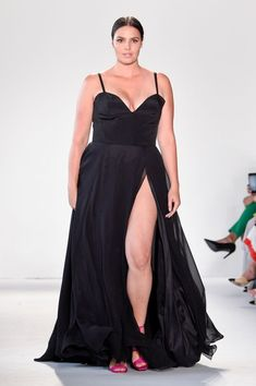 Plus-Size Model Candice Huffine on Size Diversity Plus Size Party Dresses, Plus Size Dresses, Plus Size Outfits, Plus Size Gala Dress, Junior Plus Size Clothing, Plus Size Clothing Online, Curvy Girl Outfits, Curvy Women Fashion, Fashion Fashion