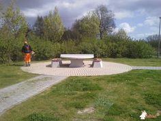 Pingpongtafel Rond Naturel Beton bij Kruispunt Boterhoek - Nederzwalmsesteenweg in Zingem