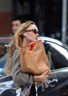 Alana Champion, Lily Rose Melody Depp, Rose Queen, Autumn In New York, Brooklyn Baby, Aesthetic People, French Chic, City Girl, Photo Dump