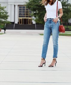 jeans and tee outfit (Levi's 501)