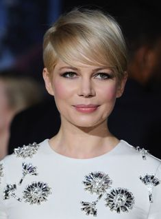 Michelle Williams' hair cut and color   Had this cut in 2008! Loved it.