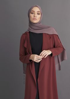 INAYAH - Rust Waterfall Coat - Modest Fashion Source by zareentrai fashion hijab Modern Hijab Fashion, Hijab Fashion Inspiration, Abaya Fashion, Muslim Fashion, Modest Fashion, Fashion Outfits, Fashion Coat, Girl Hijab, Hijab Outfit