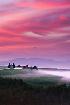 Tuscany, Italy (Tea in the Afternoon). I would love to wake up to this beautiful scenery in the morning, so peaceful and beautiful! Beautiful Sky, Beautiful Landscapes, Beautiful World, Beautiful Places, Beautiful Pictures, Beautiful Scenery, Pretty Sky, Landscape Photography, Nature Photography